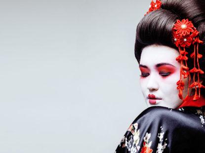 Modell im Geishastil