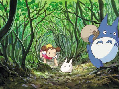 Mei folgt Totoro in seinen Bau